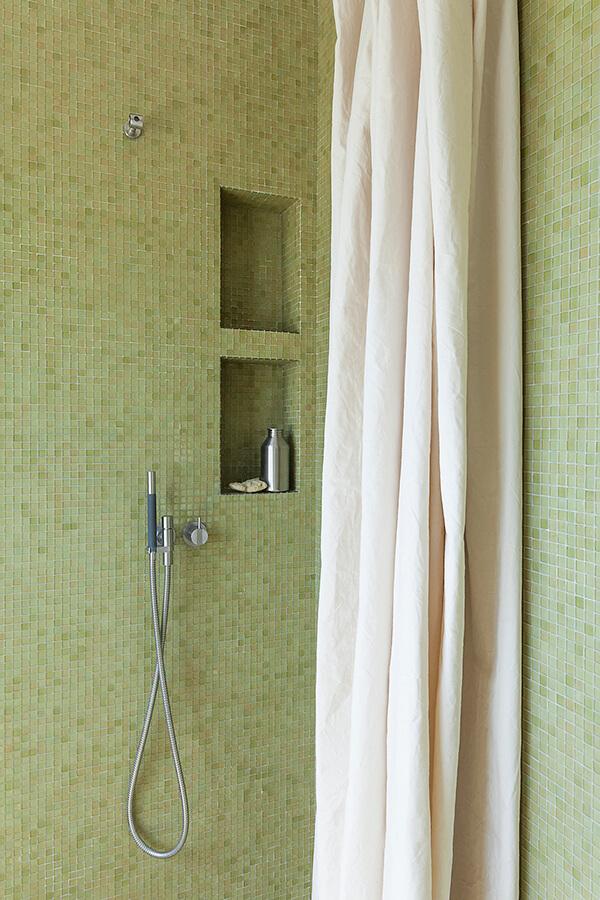 Bath G Detail 1