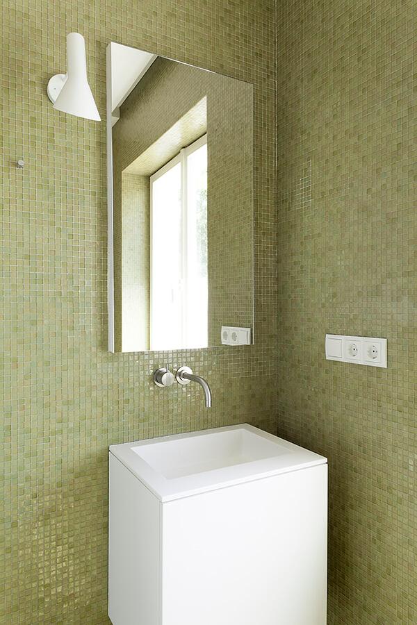 Bath G Detail 2