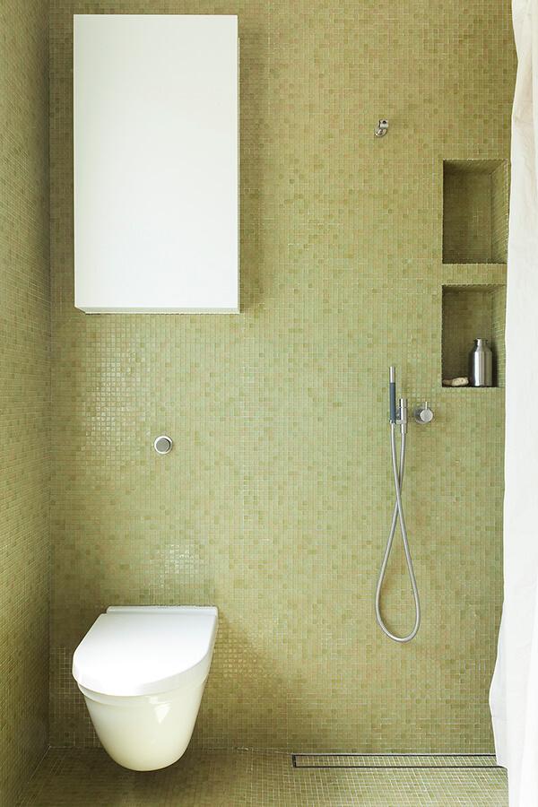 Bath G Detail 4