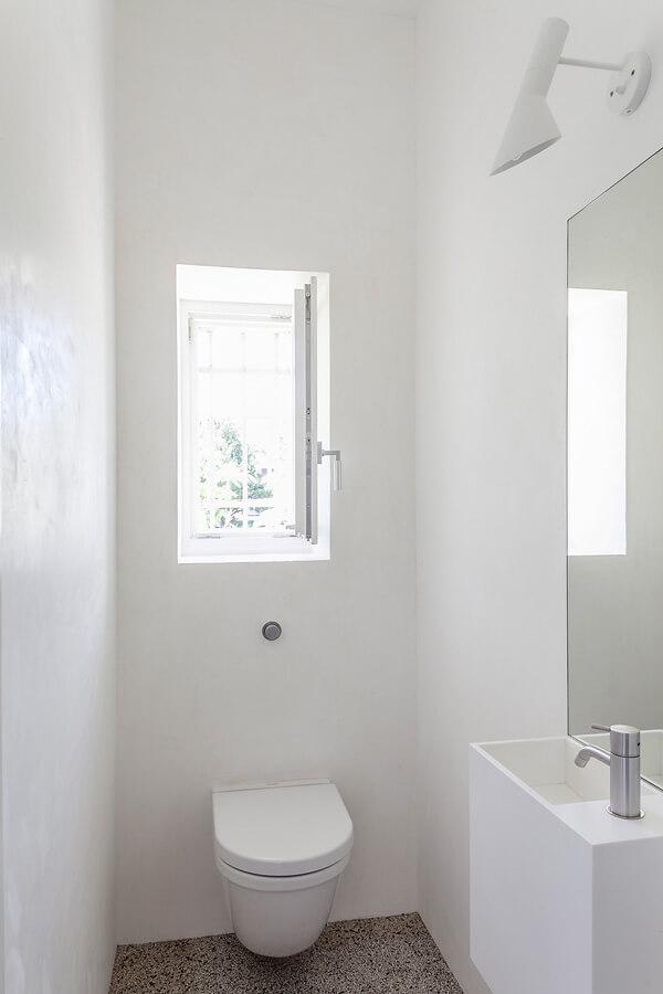 Bath W Detail 1