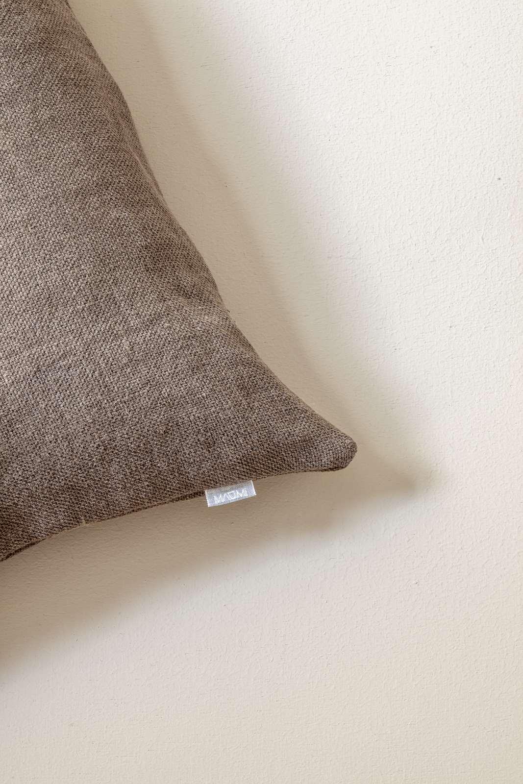 Cushions Linen Detail 2
