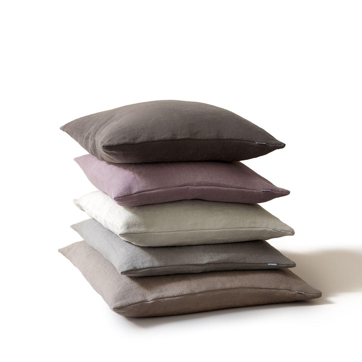 Cushions Linen Detail 1