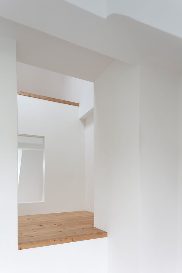 Room O1 Detail 6